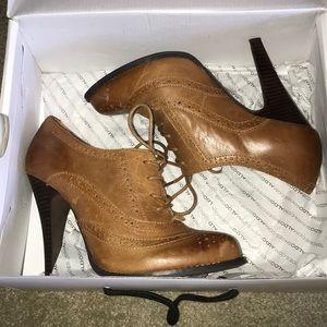 Women's Heels- great condition!